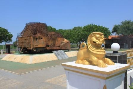 Sri Lanka travel - LTTE bulldozer memorial
