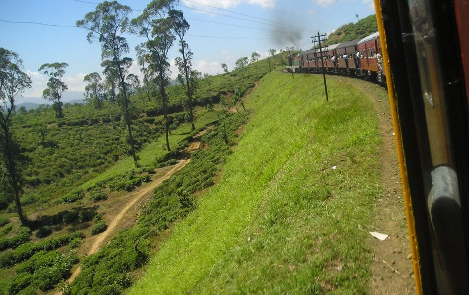 View from the Kandy to Ella train in Sri Lanka with hints and tips for enjoying this beautiful journey